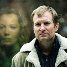 Ulrich Thomsen e Connie Nielsen in una scena di Non desiderare la donna d'altri