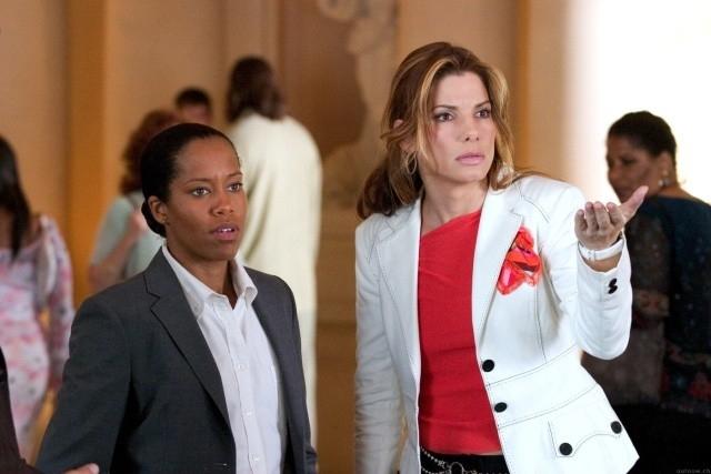 Sandra Bullock E Regina King In Una Scena Di Miss Congeniality 2 Armed And Fabulous 11594