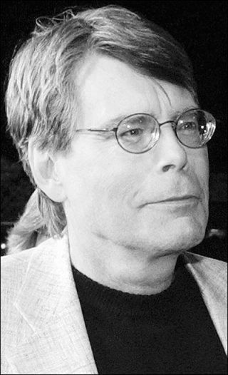 Stephen King, un ritratto in bianco e nero