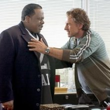 Harvey Keitel e Cedric in una scena di Be Cool