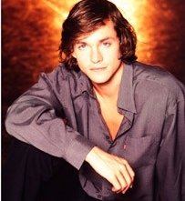 Hugh Dancy in versione 'Eighties'