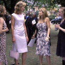 Keri Russell, Joan Allen, Evan Rachel Wood e Erika Christensen in una scena di litigi d'amore