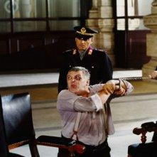 Maurizio Mattoli in una scena di Raul - Diritto di uccidere