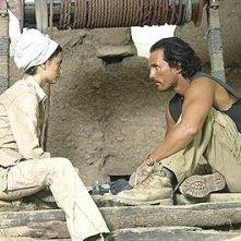 Matthew McConaughey and Penelope Cruz in una scena di sahara