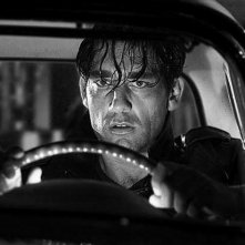 Clive Owen in una scena del film Sin City