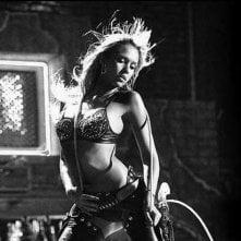 Jessica Alba in una scena del film Sin City