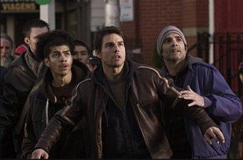 Tom Cruise in una scena de La guerra dei mondi (2005)