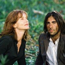 Isabelle Huppert e Jason Schwartzman in una scena di I Love Huckabees