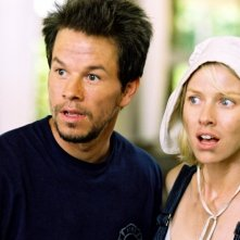 Mark Wahlberg e Naomi Watts in una scena di I Love Huckabees