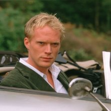 Paul Bettany in una sequenza del film Wimbledon