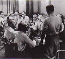 Una scena de La parola ai giurati