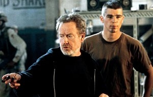 Ridley Scott e Joh Harnett sul set di Black Hawk Down