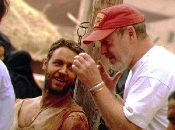 Russell Crowe e il regista Ridley Scott durante le riprese de Il gladiatore
