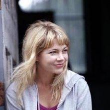 Michelle Williams in una scena di The Station Agent