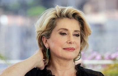 Catherine Deneuve Presente A Cannes 2005 13961
