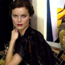 Una splendida Eva Herzigova ne I colori dell'anima - Modigliani