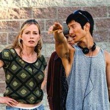 Elisabeth Shue, Jeffrey Licon e Gregg Araki sul set di Mysterious Skin
