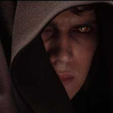 Hayden Christensen in una sequenza del film Star Wars ep. III - La vendetta dei Sith