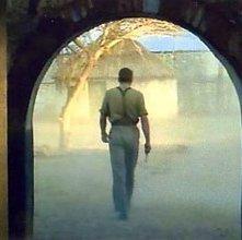 Stellan Skarsgard in una scena del film Dominion: A Prequel to the Exorcist