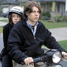 Jena Malone e Patrick Fugit  in una scena di Saved!