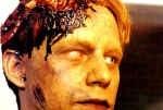 Brad Greenquist è lo spettrale Victor Pascow in una scena di Cimitero Vivente