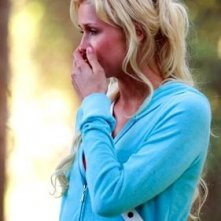 La bionda Paris Hilton in una scena de La maschera di cera