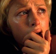 Paris Hilton è terorizzata in una scena de La maschera di cera