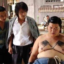 Stephen Chow e Lam Chi Chung in una scena di Kung Fusion
