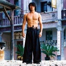 Stephen Chow in una scena di Kung Fusion