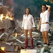 Brad Pitt e Angelina Jolie in una scena di mr. and Mrs. Smith