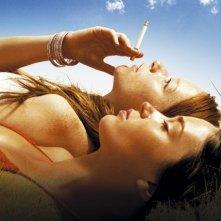 Nathalie Press ed Emily Blunt in una scena di My Summer of Love (2004)