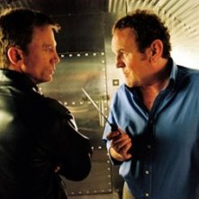 Daniel Craig e Colm Meaney in una scena di The Pusher