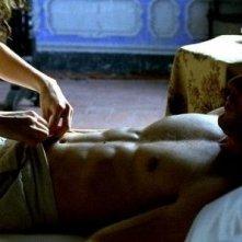 Leonardo Sbaraglia in una scena di Per amare Carmen