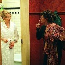 Tony Collette e Nia Vardalos in una scena di Connie e Carla