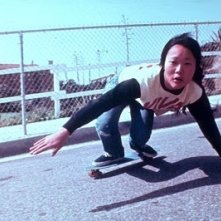 Peggy Oki in una scena di Dogtown an Z-Boys