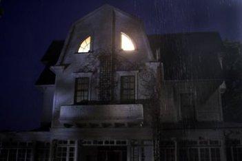 La sinistra casa che fa da scenario al film The Amityville Horror