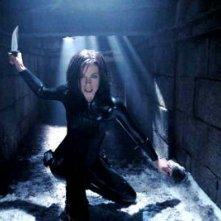 Kate Beckinsale in una scena d'azione di Underworld: Evolution