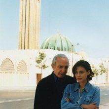 Ben Gazzara ed Elena Arvigo in una scena di Bonjour Michel