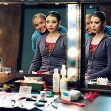 Hayden Panettiere e Michelle Trachtenberg in una scena di Ice Princess