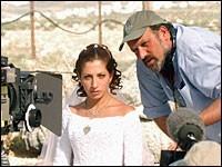 Riklis  e Clara Khoury sul set de La sposa siriana