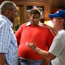 Bill Cosby, Kenan Thompson e Joel Zwick sul set di Fat Albert