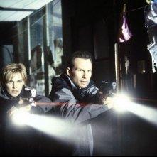 Christian Slater e Kathryn Morris in una scena di Nella mente del serial killer