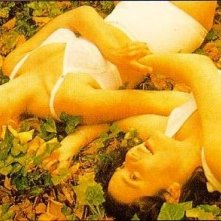 Melanie Lynskey e Kate Winslet in una sensuale scena di Creature del cielo
