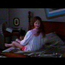 Regan (Linda Blair) in una scena di culto de L'ESORCISTA