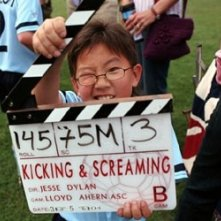 Il piccolo Elliott Cho sul set di Kicking & Screaming