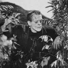 Boris Karloff in una scena di FRANKENSTEIN