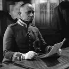 Erich von Stroheim in una scena de LA GRANDE ILLUSIONE