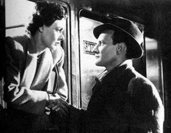 Celia Johnson e Trevor Howard in una scena di BREVE INCONTRO