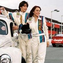 Justin Long e Lindsay Lohan in una scena di Herbie, il supermaggiolino