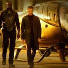 Djimon Hounsou e Ewan McGregor in The Island